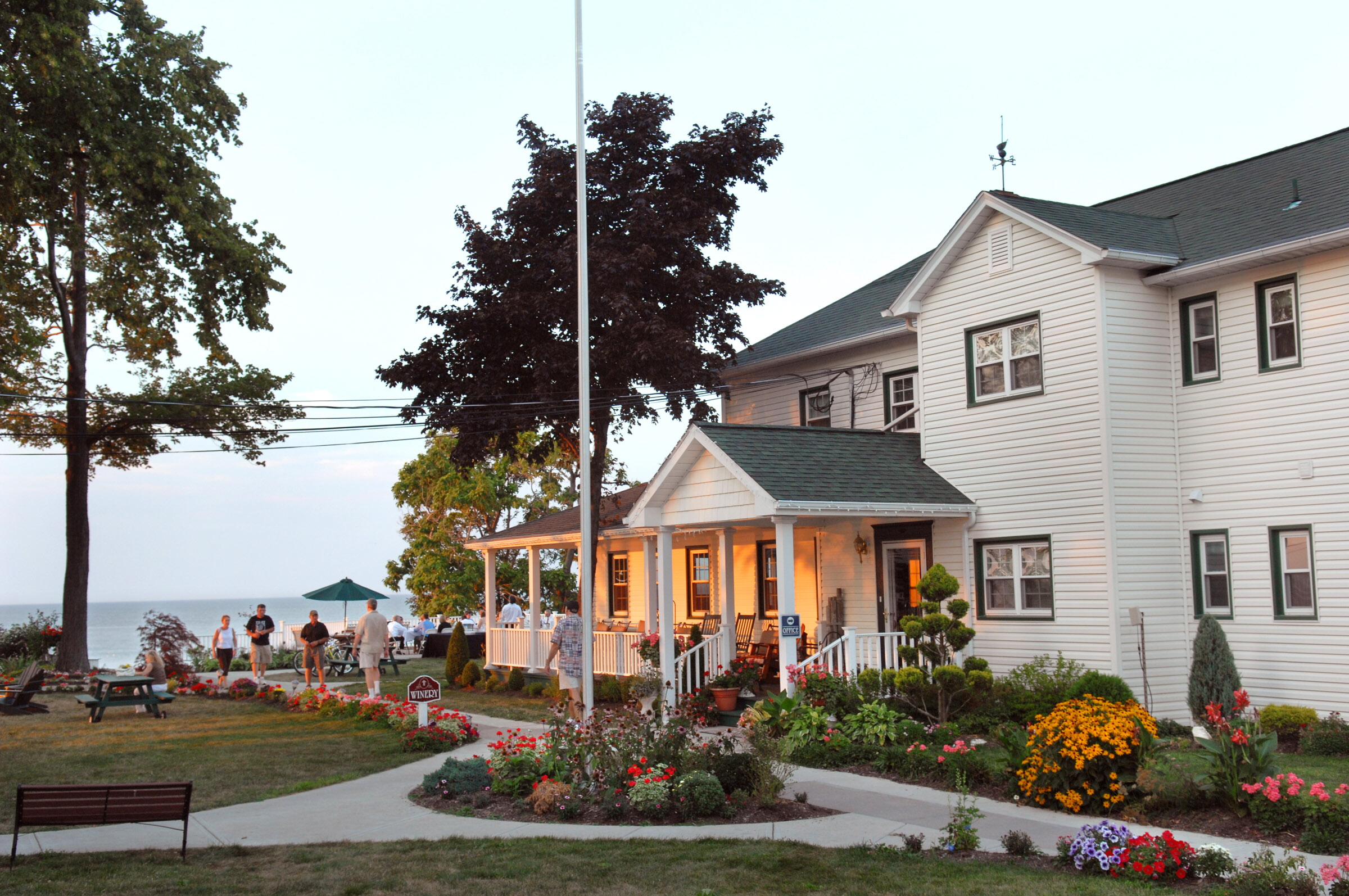The Lakehouse Inn In Geneva On The Lake Ohio