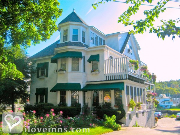 Harbour Towne Inn on The Waterfront Gallery