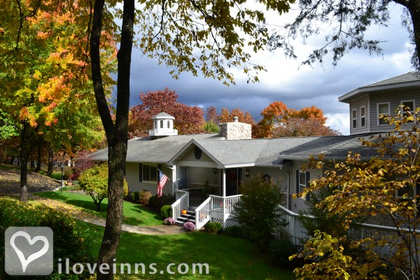 Anchor Inn on the Lake Bed & Breakfast Gallery