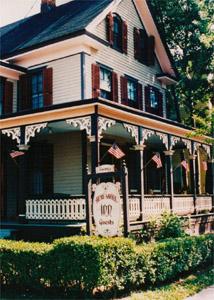 The Henry Sawyer Inn Gallery