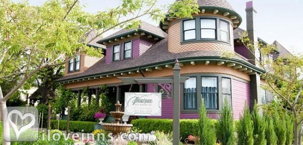 Kelley & Young Wine Garden Inn Gallery