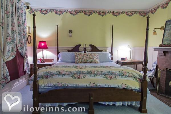 Rosewood Inn Bed And Breakfast Corning Ny
