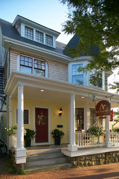 Almondy Inn in Newport, Rhode Island | iLoveInns.com Almondy Inn Newport Rhode Island