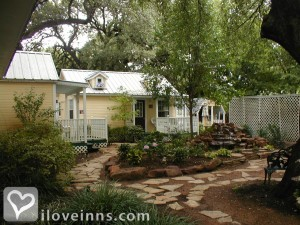 Pomegranate House & Cottages Bed & Breakfast Gallery
