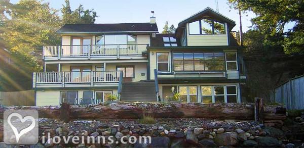 Beachside Villa Luxury Inn Gallery