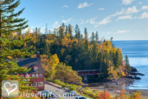 Lutsen resort on lake superior in lutsen minnesota for North shore lake superior cabins