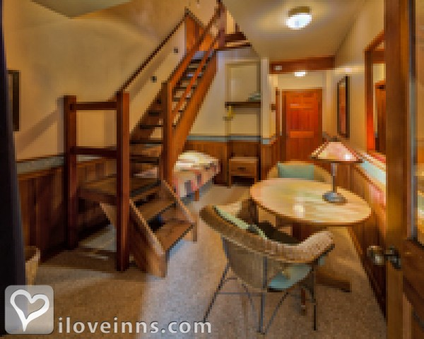 Mazama Country Inn Gallery
