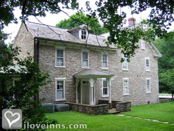 Laurel Inn the Hollow Gallery