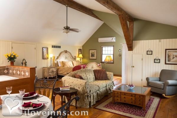 Fieldcrest Manor Bed And Breakfast