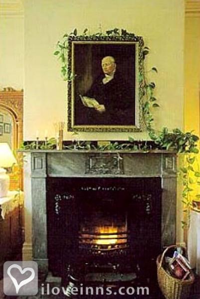 The Salem Inn Gallery