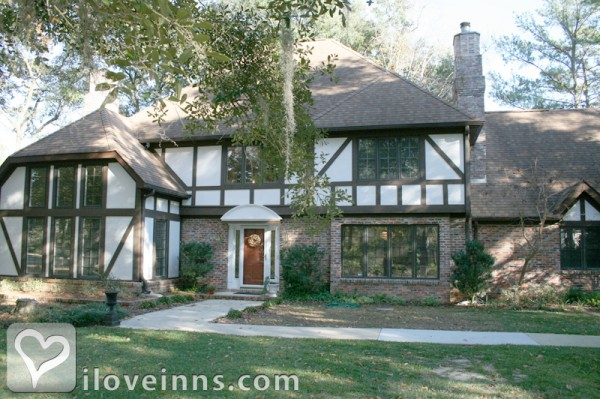 Tudor Oaks Bed and Breakfast Gallery