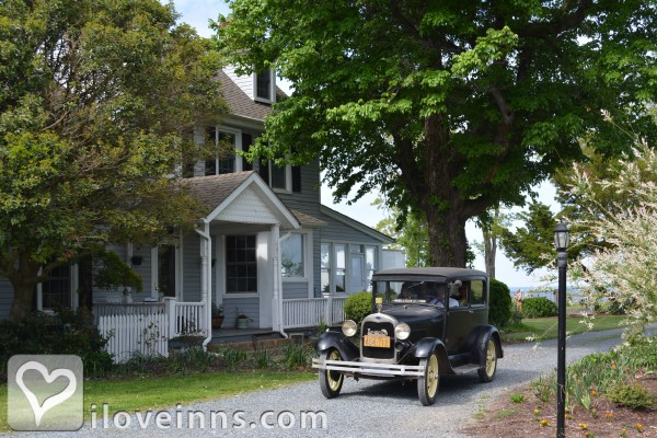 Black Walnut Point Inn Gallery