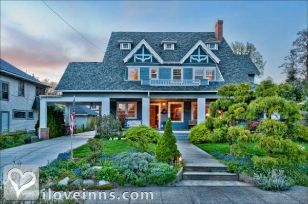 The Maxwell House Bed and Breakfast Inn Gallery